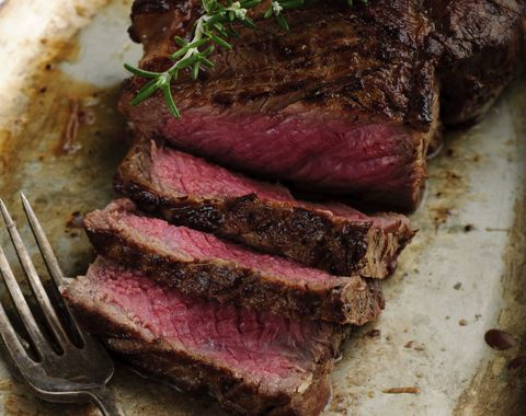 The Best Steak-Eating Advice You Can Watch