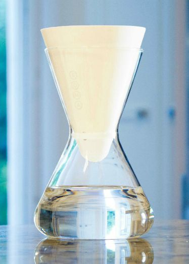 Glass, Liquid, Barware, Fluid, Perfume, Drinkware, Transparent material, Vase, Still life photography, Laboratory flask,