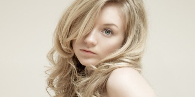 Emily Kinney photos