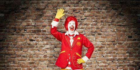 Performing arts, Brick, Costume, Clown, Costume design, Comedy, Brickwork, Performance art, Acting, Fictional character,