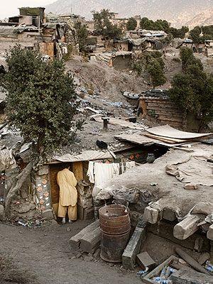 Neighbourhood, Rural area, Village, Geological phenomenon, Mountain village, Pollution, Waste,