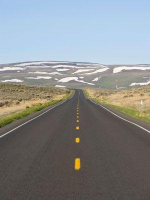 Road, Nature, Road surface, Asphalt, Mountainous landforms, Infrastructure, Natural landscape, Photograph, Highland, Landscape,