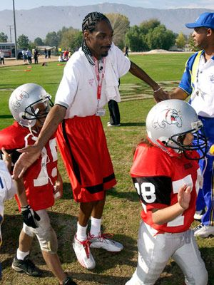 snoop dogg pop warner football coach