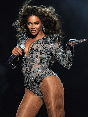 beyonce knowles sings