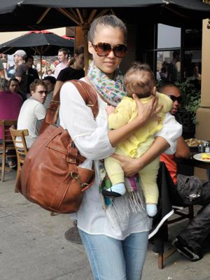 jessica alba with baby