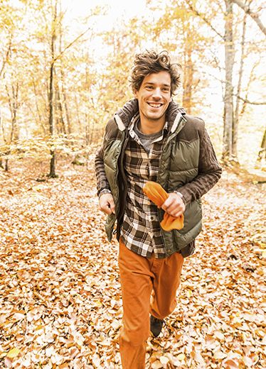 Deciduous, Leaf, Bag, People in nature, Jacket, Autumn, Plaid, Tartan, Forest, Luggage and bags,