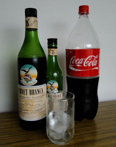 Liquid, Drink, Bottle, Glass bottle, Drinkware, Glass, Alcohol, White, Red, Alcoholic beverage,