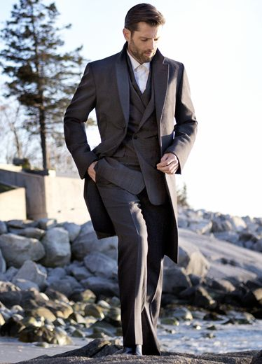 Collar, Sleeve, Trousers, Coat, Suit trousers, Dress shirt, Photograph, Standing, Outerwear, Suit,