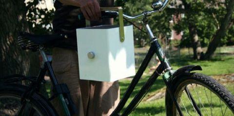 Bicycle tire, Wheel, Bicycle wheel, Bicycle frame, Mode of transport, Bicycle wheel rim, Bicycle part, Bicycle, Bicycle handlebar, Transport,