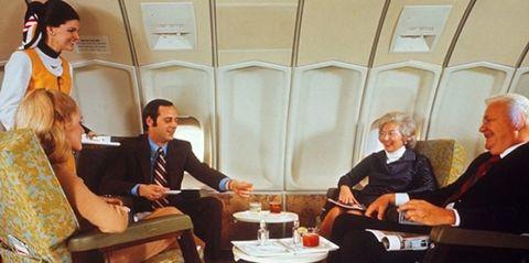 Conversation, Event, White-collar worker, Sitting, Businessperson,