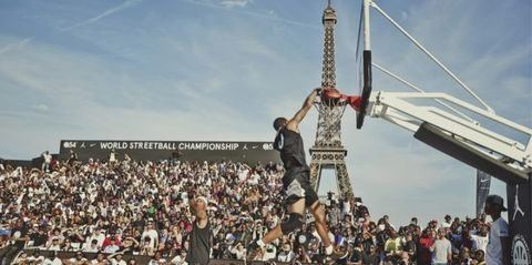 Crowd, People, Audience, Landmark, Fan, Pole, Tower, Slam dunk, Basketball moves, Stunt,