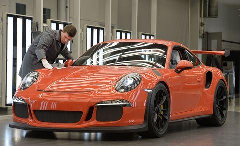 <p>Porsche 911 GT3 RS in Zuffenhausen. </p><p><em><em>Foto</em>: Thomas Kienzle/AFP/Getty Images</em></p>