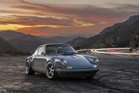 Tire, Wheel, Vehicle, Land vehicle, Automotive design, Mountainous landforms, Rim, Car, Automotive lighting, Highland,