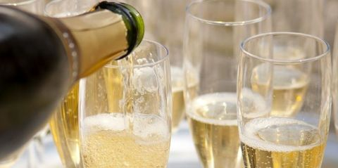 Drink, Champagne cocktail, Champagne, Alcoholic beverage, Alcohol, Wine, Glass, White wine, French 75, Barware,