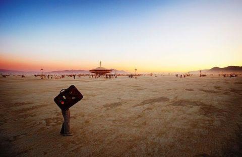 <p>De Canadese fotograaf NK Guy bezocht het festival Burning Man van 1998 tot 2015, waar hij deze foto's maakte.</p>