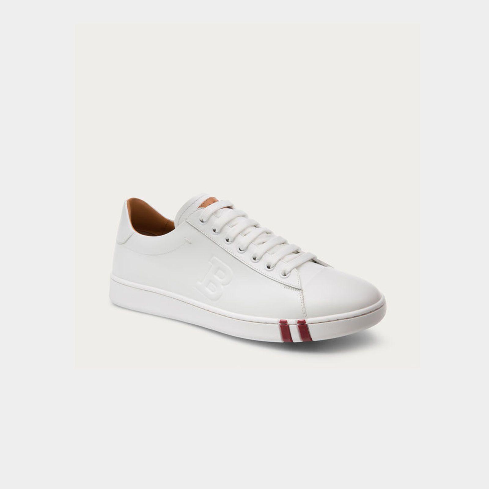 "<p><em>€ 375, </em><a href=""http://www.bally.eu/en/shop-man/shoes/trainers/asher-men%E2%80%99s-leather-low-top-trainer-in-white-6205250.html#start=1"" target=""_blank""><em>bally.com</em></a></p>"