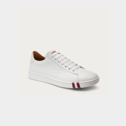 "<p><em>€ 375, </em><a href=""http://www.bally.eu/en/shop-man/shoes/trainers/asher-men%E2%80%99s-leather-low-top-trainer-in-white-6205250.html#start=1"" target=""_blank""><em>bally.com</em></a></p>"