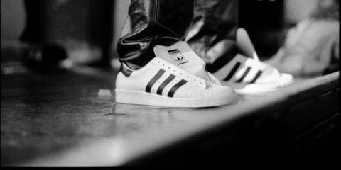 Footwear, Shoe, White, Sportswear, Athletic shoe, Style, Light, Sneakers, Carmine, Logo,