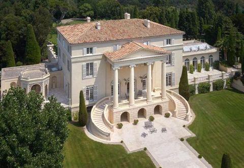 Property, Tree, Real estate, House, Facade, Roof, Villa, Mansion, Home, Garden,