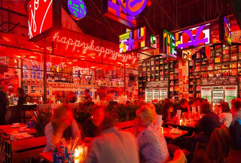 Lighting, Drinking establishment, Customer, Pub, Tavern, Chair, Bar, Alcohol, Barware, Neon,