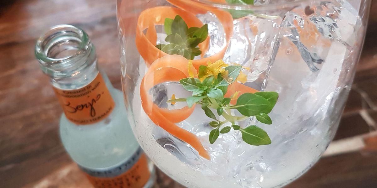 dit 8 beste adressen voor gin tonics in amsterdam. Black Bedroom Furniture Sets. Home Design Ideas