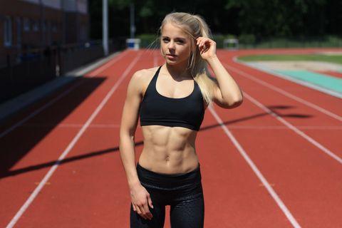 Track and field athletics, Sportswear, Sleeveless shirt, Waist, Abdomen, Trunk, Organ, Running, Sports, Thigh,