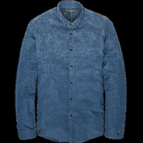 """<p>Neem <a href="""" http://www.castiron-clothing.com/collection/shirts.html"""" target=""""_blank"""">dit shirt (€ 109,95)</a>. Wanneer dat geen print had gehad en het in een effen kleur was uitgevoerd, was het een saai shirt geworden. Donkergrijze of zwarte shirts zijn vragen om problemen. Maar door de prints op dit shirt wordt het een dynamisch kledingstuk, dat je eenvoudig bij een grijs pak zou kunnen dragen.</p>"""