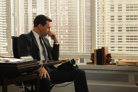 Sitting, Tie, White-collar worker, Suit trousers, Window covering, Blazer, Conversation, Tower block, Business, Window blind,