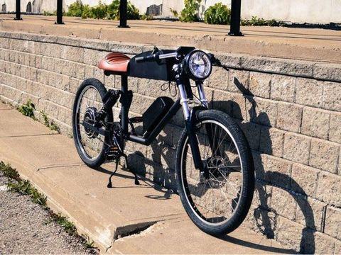 Rim, Spoke, Fender, Automotive tire, Bicycle wheel rim, Bicycle tire, Tread, Vehicle brake, Bicycle, Suspension,
