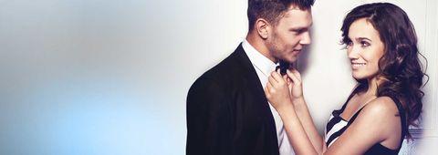 Ear, Collar, Dress shirt, Coat, Suit, Outerwear, Formal wear, Blazer, Neck, Facial hair,