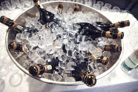Bottle, Glass bottle, Barware, Drink, Alcohol, Drinkware, Water bottle, Alcoholic beverage, Plastic bottle, Bottle cap,
