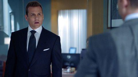 Suit, White-collar worker, Formal wear, Job, Businessperson, Tuxedo, Management, Official, Business, Gesture,