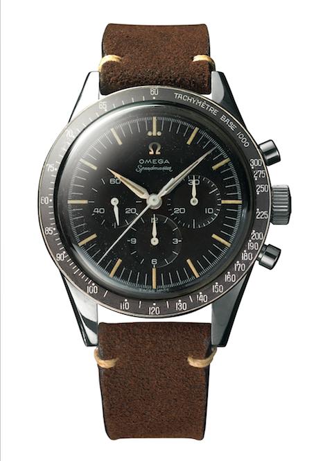 <p>Walter Schirra droeg deze tweede versie van de Speedmaster in de ruimte&nbsp;op 3 oktober 1962. Hij koos de Speedmaster als persoonlijk horloge voor de Sigma 7-missie, die deel uitmaakte van het Mercury-programma.&nbsp;</p><p>Deze tweede versie verschilde van de oorspronkelijke 'Broad Arrow' door zijn zwarte aluminium lunette, 'lollipop' secondewijzer en minutenwijzers in 'Alpha'-stijl.<br></p>