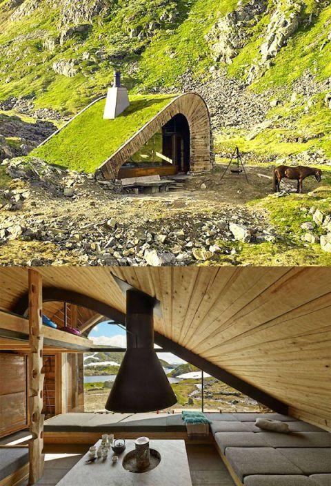 """<p>De architecturen van het Noorse Snohetta bouwden deze afgelegen cabine die compleet is gemaakt van stenen en gras. De elementen waar het huis mee gebouwd is werken als ware schutkleuren, het hele huis lijkt te verdwijnen in het landschap.&nbsp;</p><p>In het echt is het huis groter dan het er nu op de foto's uitziet. Met zijn 34 vierkante meter is er genoeg ruimte voor 21 personen. Een gezellige weekendje weg met een groep vrienden zal gegarandeerd leuk worden in dit huis.</p><p>De weg naar het huis toe vereist wel wat uithoudingsvermogen: het bevindt zich namelijk in een gebergte in&nbsp;Åkrafjorden<span class=""""redactor-invisible-space"""" data-verified=""""redactor"""" data-redactor-tag=""""span"""" data-redactor-class=""""redactor-invisible-space""""> en is alleen bereikbaar per voet of paard.</span></p><p><span class=""""redactor-invisible-space"""" data-verified=""""redactor"""" data-redactor-tag=""""span"""" data-redactor-class=""""redactor-invisible-space""""></span></p>"""