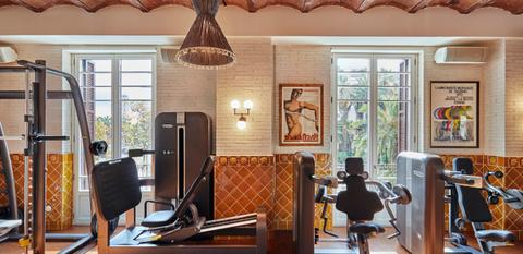 Room, Furniture, Property, Interior design, Ceiling, Building, Home, House, Lighting, Living room,