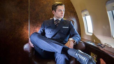Suit, Sitting, Formal wear, Portrait, White-collar worker, Businessperson, Tie, Tuxedo, Shoe,