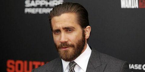 Hair, Facial hair, Beard, Forehead, Chin, Eyebrow, Hairstyle, Moustache, Nose, White-collar worker,