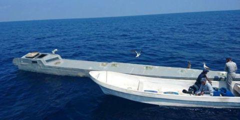 Boat, Vehicle, Water transportation, Boating, Yacht, Speedboat, Sea, Watercraft, Naval architecture, Fishing vessel,