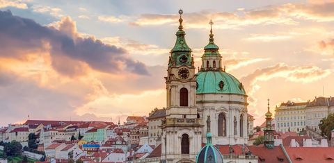 Landmark, Sky, Architecture, Building, Place of worship, Town, Basilica, Tower, Church, City,