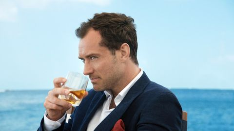 Drinking, White-collar worker, Businessperson, Alcohol, Drink, Suit,