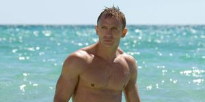 daniel-craig-bond-trunks-43