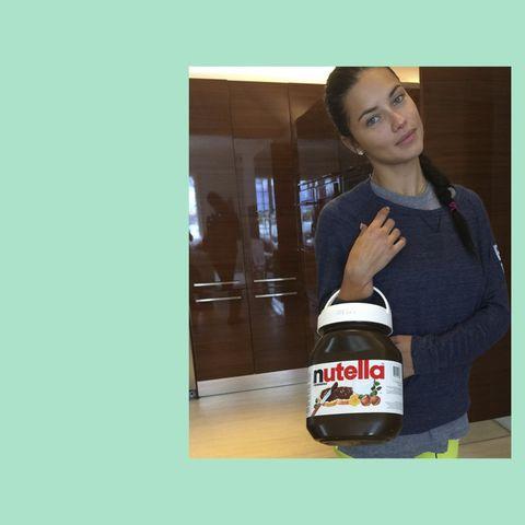 Adriana-Lima-Nutella-Instagram-43