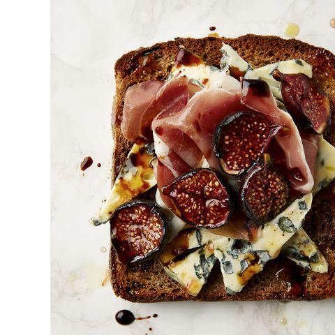 Blue-Cheese-Figs-Parma-Ham-Posh-Toast-43