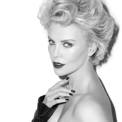 Charlize-Theron-esquire-2014-3-43