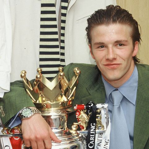 David-Beckham-Premier-League-Trophy-43