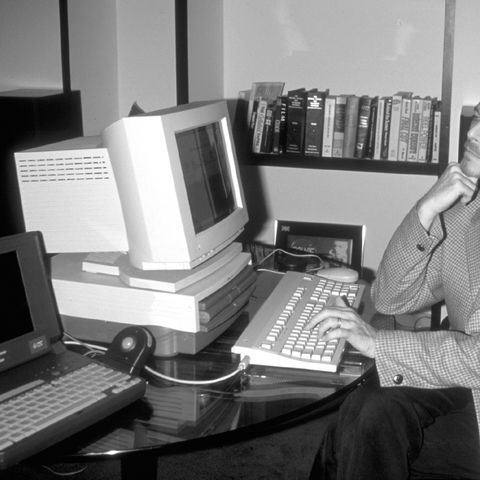David_Bowie_computer_43