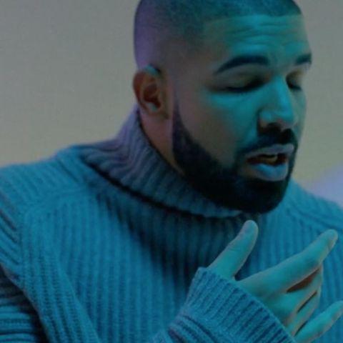 Drake-roll-neck-43
