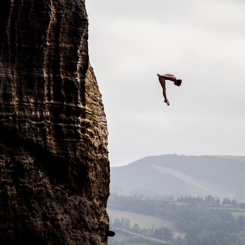 Esquire-cliff-diving-gallery-5-43