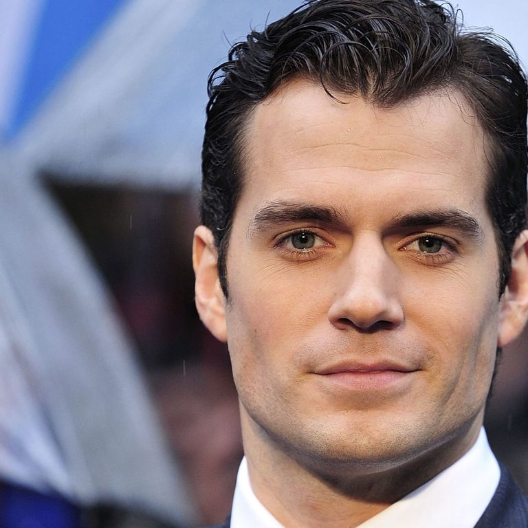 "Henry Cavill: ""I Guess Girls Like That I'm Superman"""