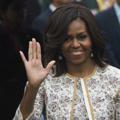 Michelle-Obama-wave-43